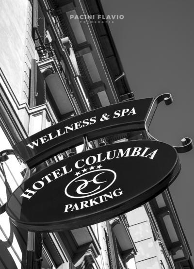 L'insegna dell'Hotel Columbia di Montecatini