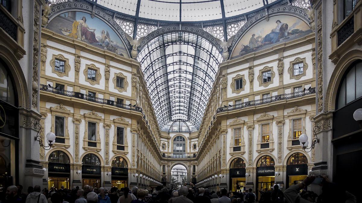 Interno della Galleria Vittorio Emanuele II a Milano