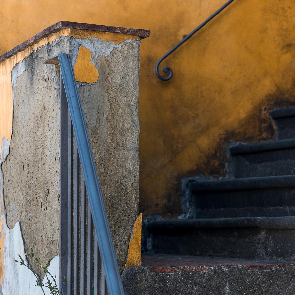 La scala gialla, Serravalle Alto