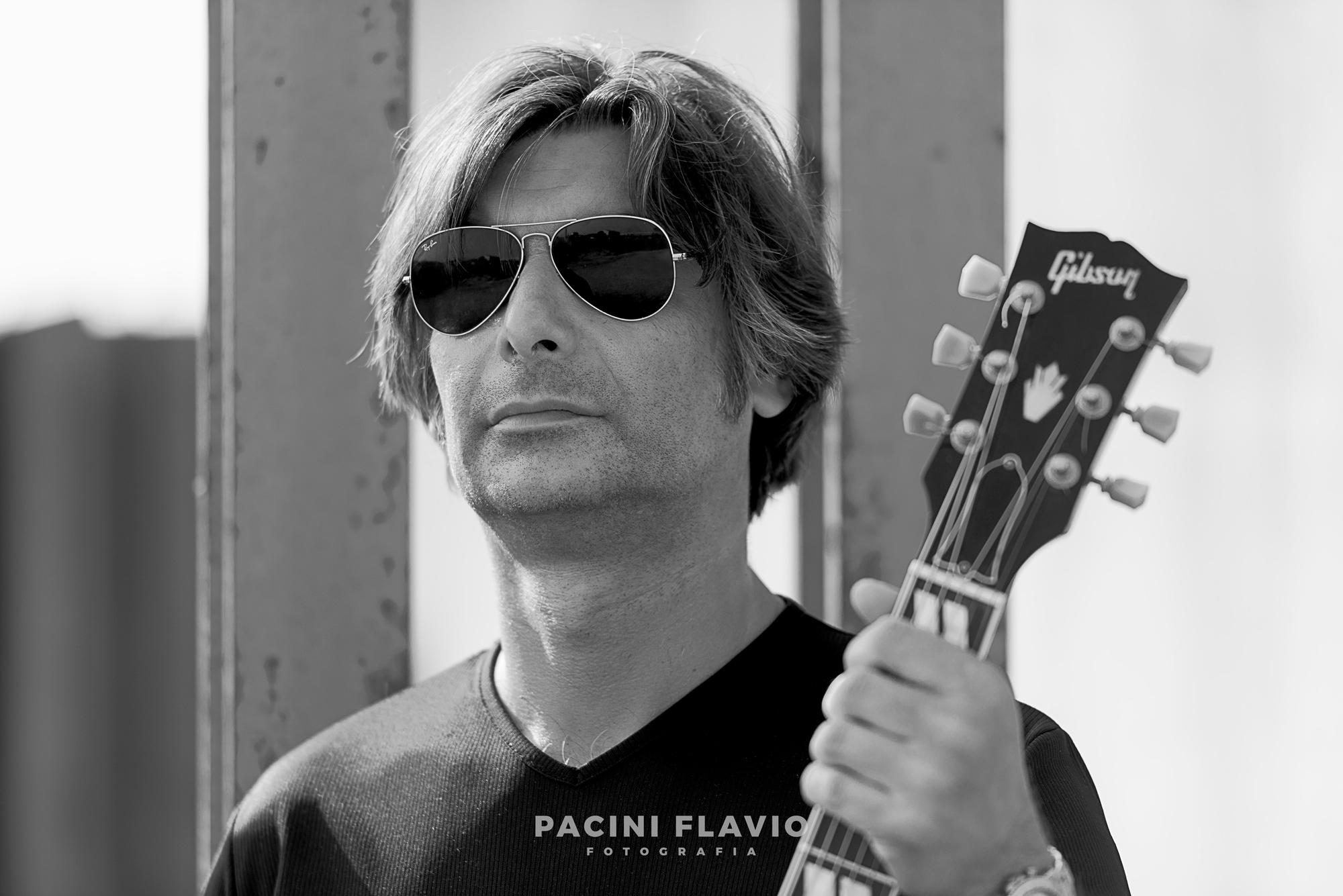 Ritratto business di chitarrista