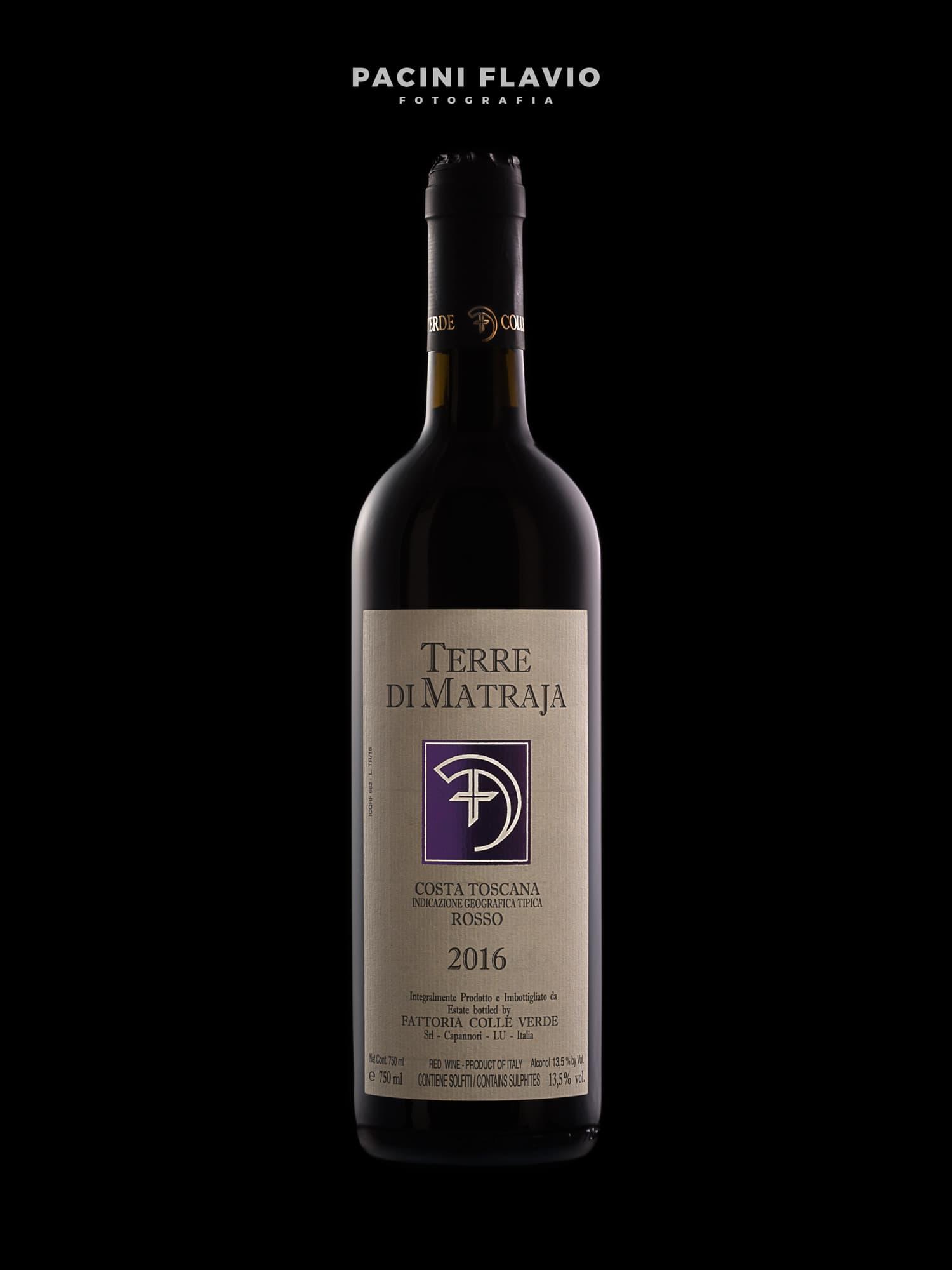 Still Life Bottiglia Di Vino Rosso Su Sfondo Nero E Rim Light