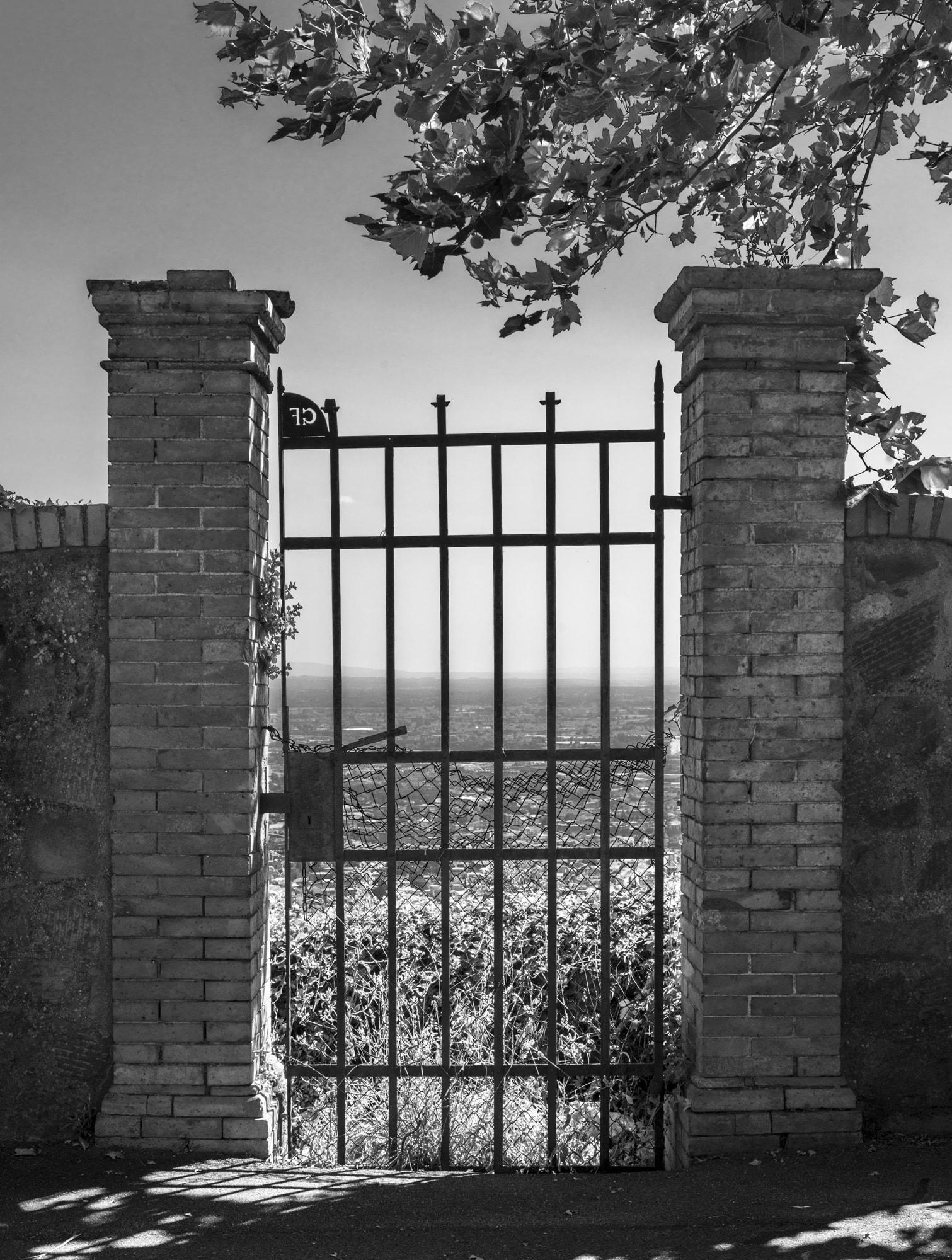 Vecchio cancello a Montecatini Alto
